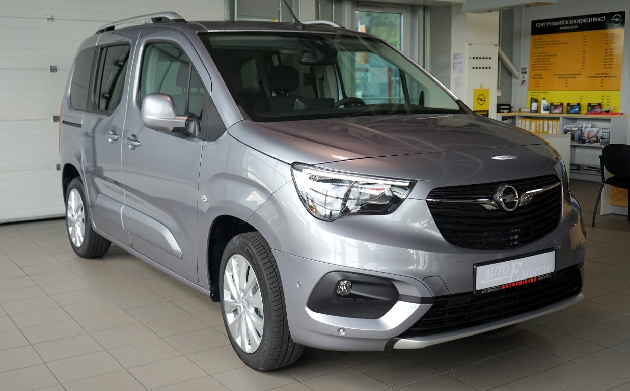 Opel Combo LIFE Innovation 1.2T 81kW 6MT